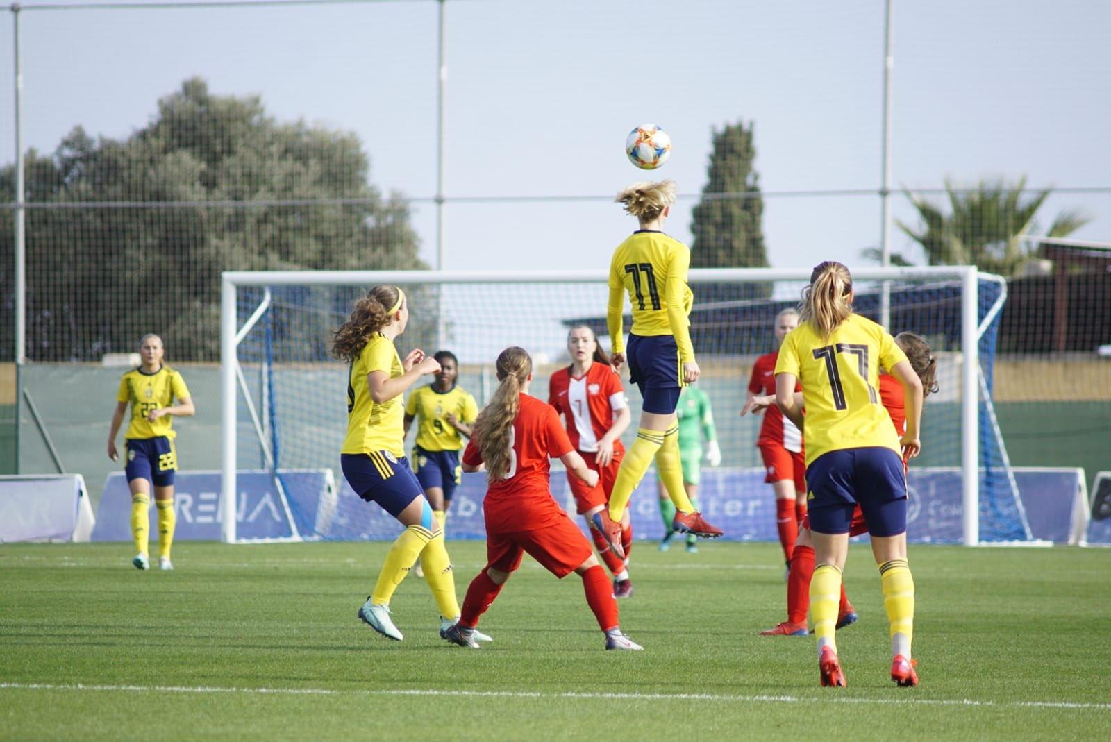 EQlfXqkXUAE4219 - Reprezentacja U-17: Pewna wygrana ze Szwecją, Polki z szansą na triumf w turnieju